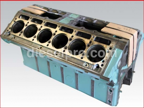 12V71 Detroit Diesel engine block - remanufactured 010